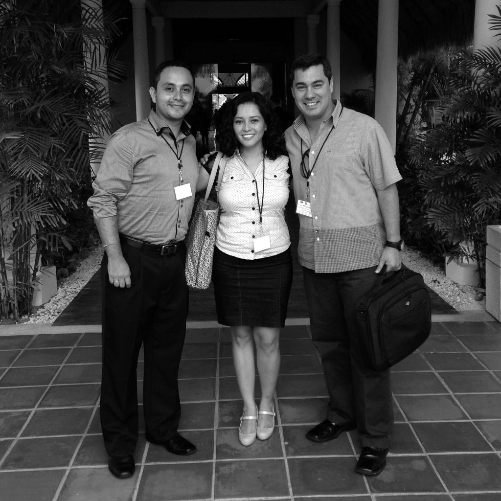 """""""El Portal de Empleo de la Riviera Maya: contribuyendo al empleo y al crecimiento"""" por Unus Branding. Paulo Montoya, Mariana Nava y Misael López Uribe."""